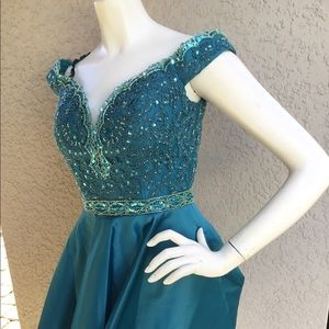 NWT LUXURY PROM COLLECTION DRESS